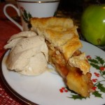 apple-pie-slice-with-ice-cream
